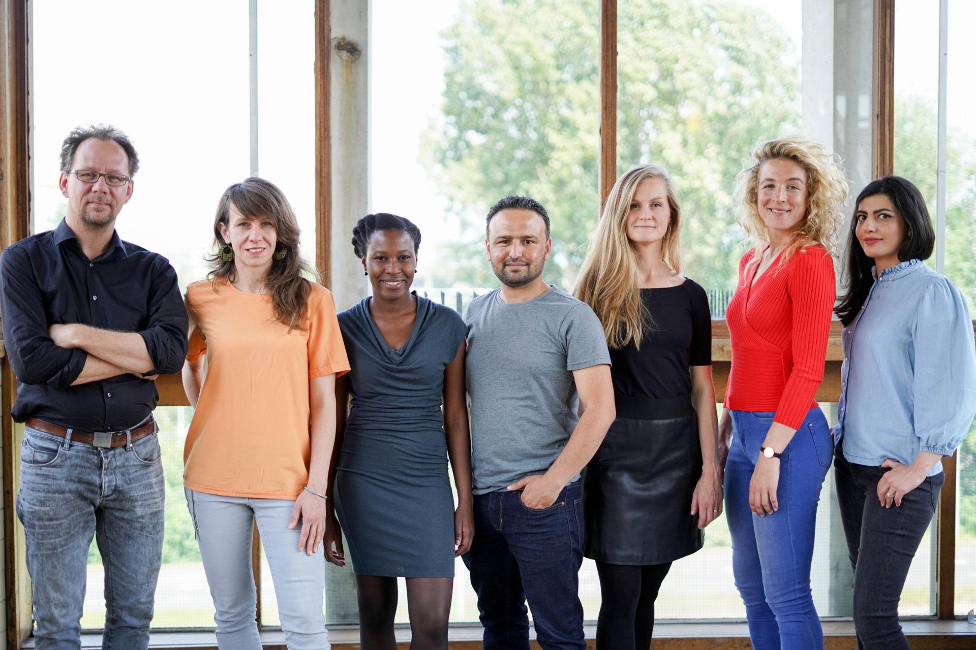 OpenEmbassy zorgt dat nieuwkomers zinnig, waardig en vlot hun weg kunnen vinden in Nederland.